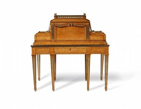 Kaiserlicher Schreibtisch von David Roentgen -