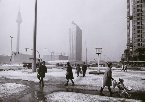 Barbara Klemm - Alexanderplatz, Ost-Berlin
