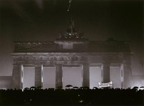Barbara Klemm - Öffnung des Brandenburger Tors, Berlin