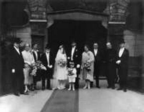 August Sander - Hochzeitsgesellschaft