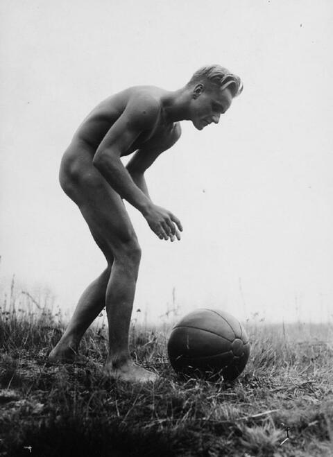 Gerhard Riebicke - Athlet mit Ball