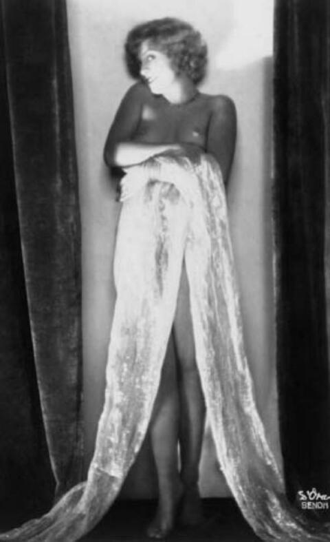 Madame D'Ora (Dora Philippine Kallmus) - Akt