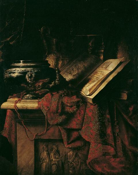 Francesco Fieravino, gen. Il Cavalier Maltese, zugeschrieben - STILLEBEN MIT PRUNKGEFÄSSEN UND AUFGESCHLAGENEM BUCH AUF EINEM TEPPICH.