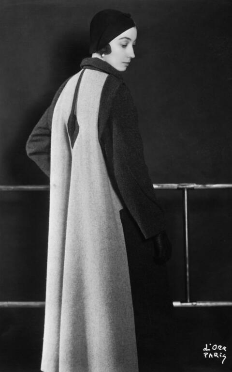 Madame D'Ora (Dora Philippine Kallmus) - MAISON ROBERT PIQUET. MODÈLE PILE OU FACE