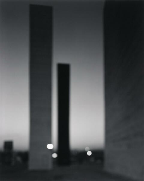 Hiroshi Sugimoto - SATELLITE CITY TOWERS