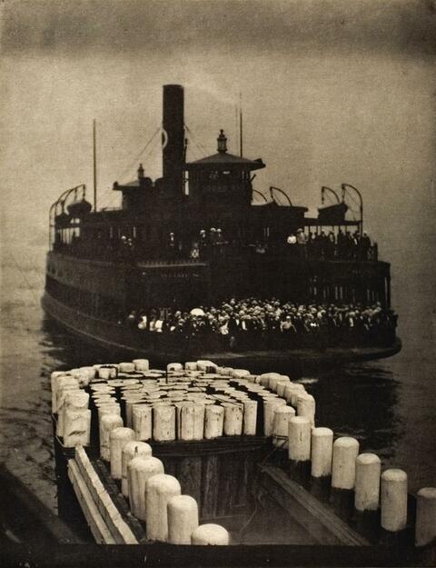 Alfred Stieglitz - THE FERRY BOAT