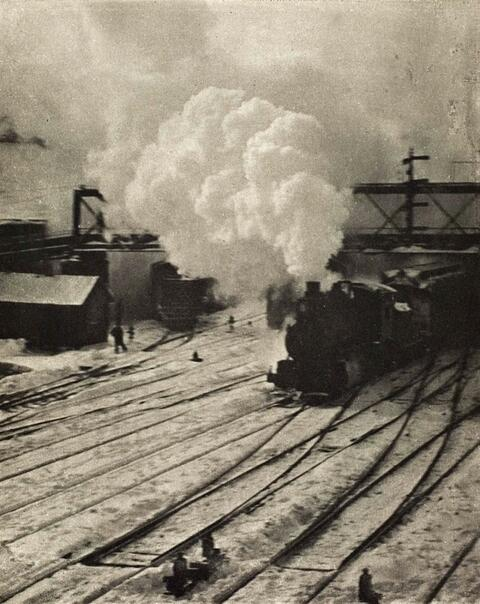 Alfred Stieglitz - SNAPSHOT - IN THE NEW YORK CENTRAL YARDS