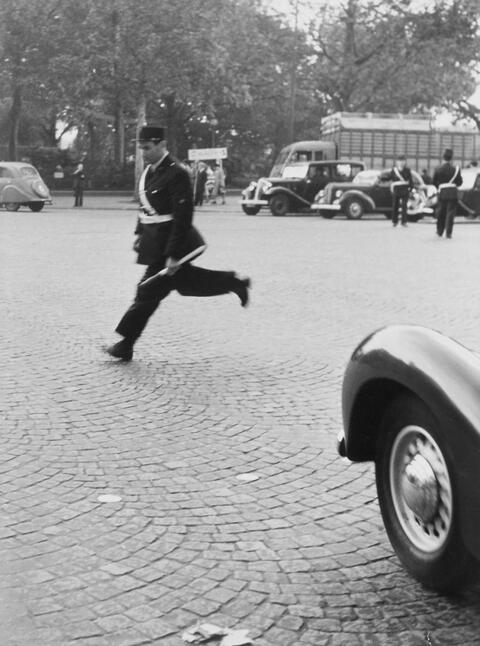 Robert Doisneau - UNTITLED