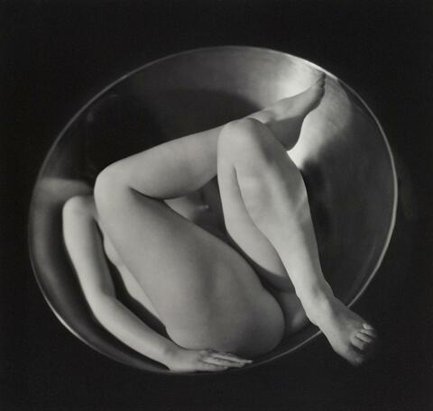 Ruth Bernhard - IN THE CIRCLE