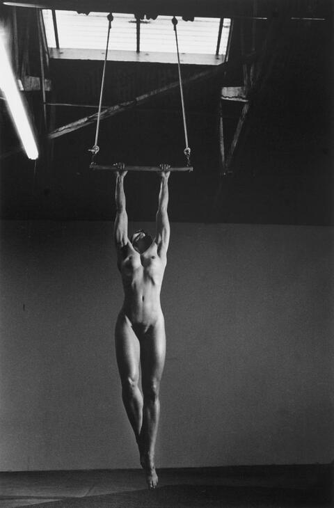 Helmut Newton - LISA LYON AT HOME, VENICE, CALIFORNIA