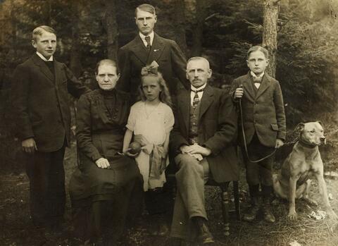 August Sander - FAMILIE HERING AUS LAUTZERT
