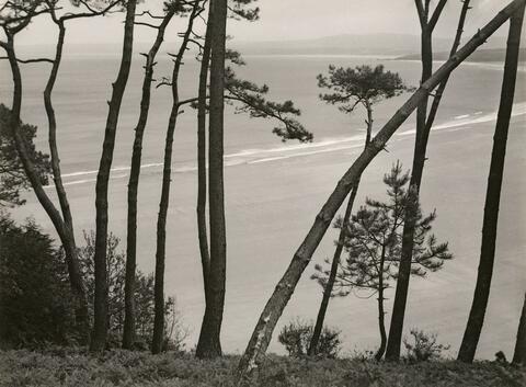 Albert Renger-Patzsch - Bay at Breton Atlantic Coast