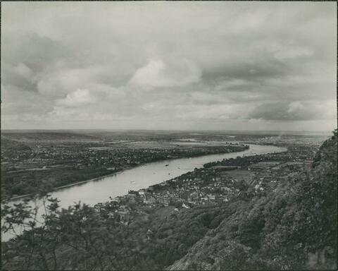 August Sander - Blick in die rheinische Ebene, Königswinter, Godesberg, Bonn und Köln