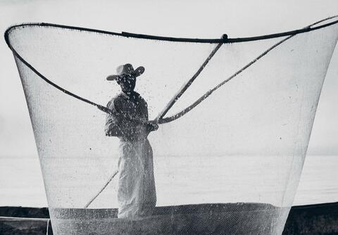 Herbert List - Fisherman on lake Pazcuáro, Mexico